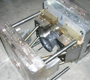 HyComp Capabilities | Custom Injection and Compressing Molding